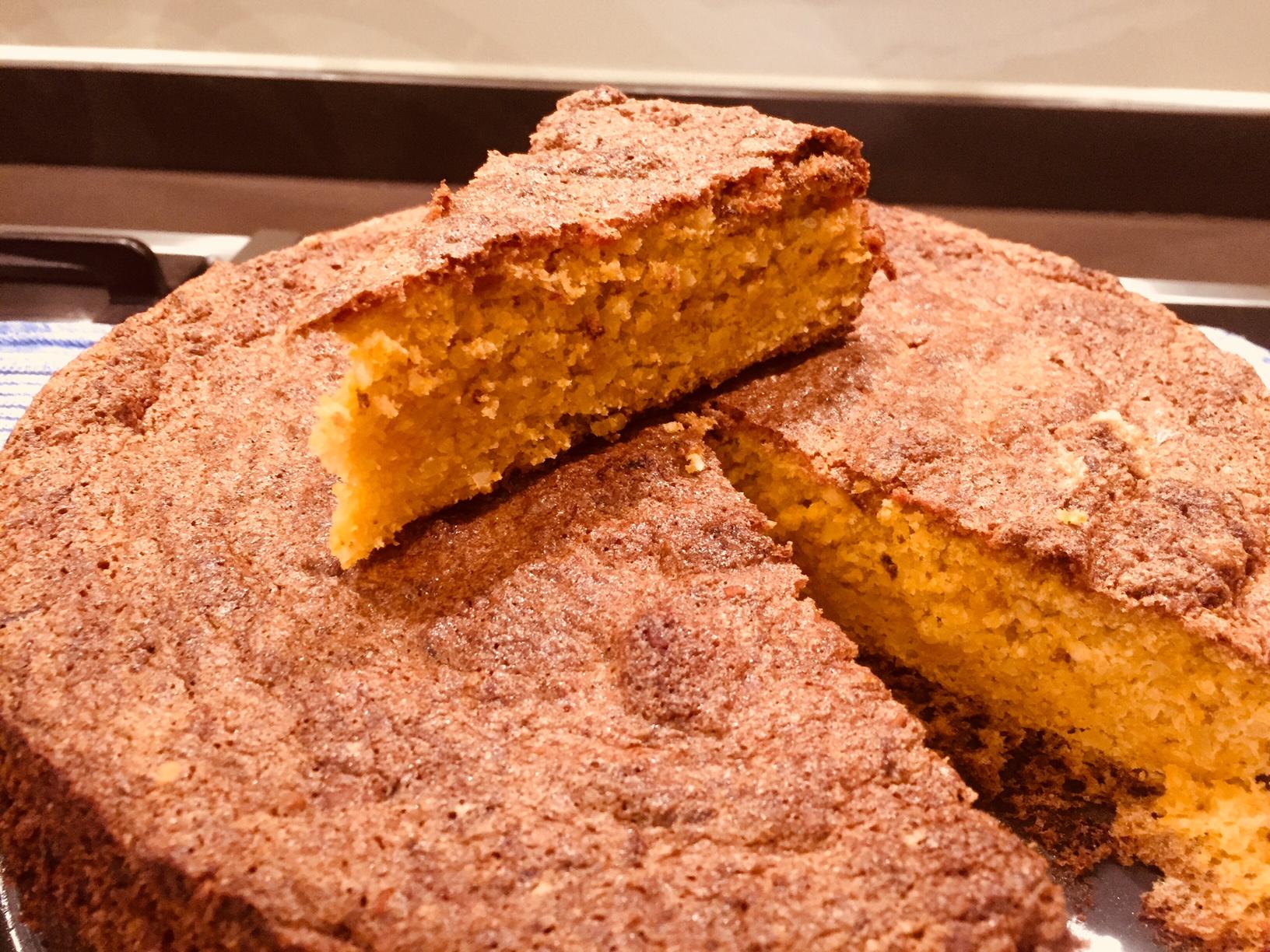 Karotten-Mandel-Torte