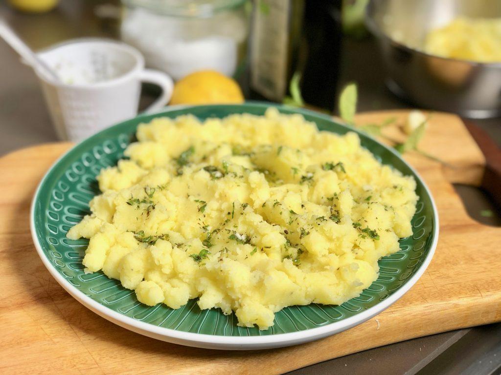Kartoffelpüree mit Olivenöl und Kräutern